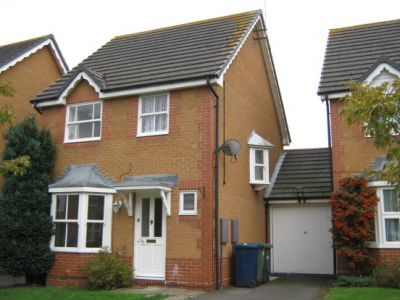 House - Houses - 3 bedroom link detached house to rent in Huntingdon