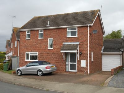 House - Houses - 4 bedroom detached house to rent in Sawtry