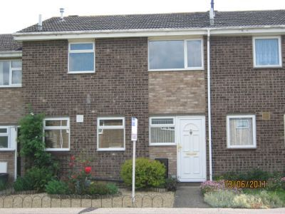 House - Houses - 3 bedroom mid terraced house to rent Eynesbury St Neots