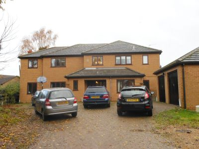 House - Houses - 5 bedroom detached executive home to rent