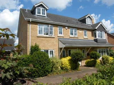 House - Houses - 7 bedroom detached home to rent Peterborough