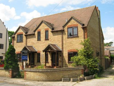 House - Houses - 3 bedroom family home to rent Godmanchester