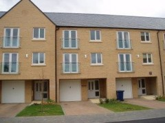 House - Houses - 4 Bed Townhouse to let Little Paxton