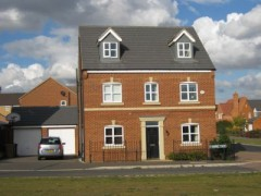 House - Houses - 4 Bedroom detached family home in Hampton