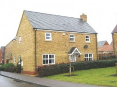 House - Houses - 4 Bedroom Home to Let in Huntingdon