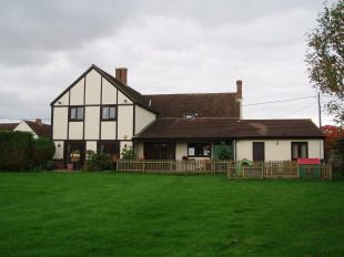 Countryside House To Rent In Bedfordshire With 2 Acres